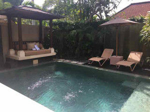 Disini_outside_pool