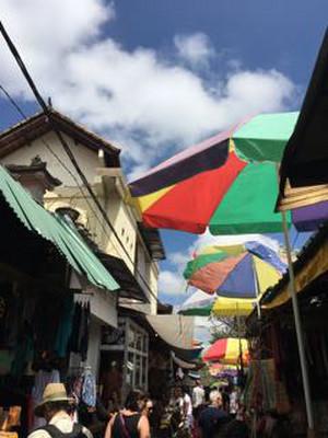 Ubud_market_sky